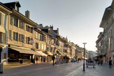 「花の街」モルジュの街歩き