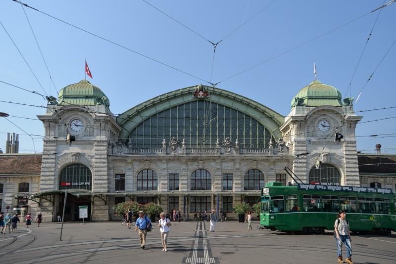 フランスとドイツと隣接するバーゼル駅