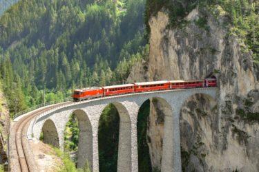 レーティシェ鉄道アルブラ線・ベルニナ線と周辺の景観
