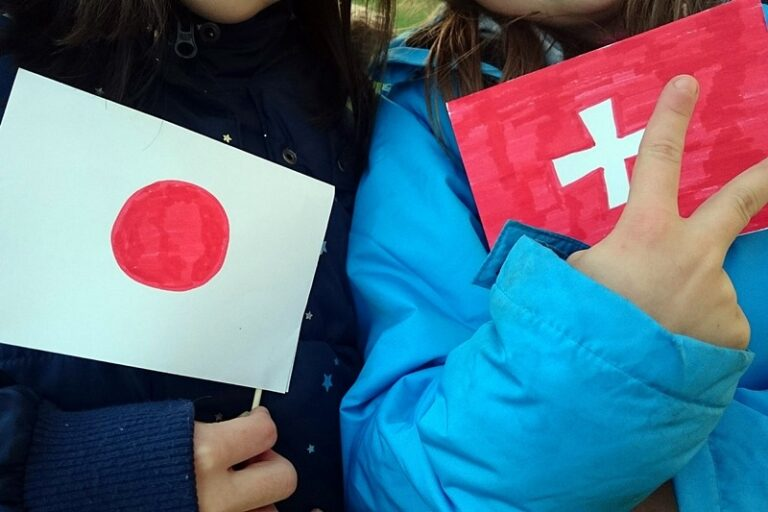 スイスドイツ語の環境で育つ、この子とは、日本語オンリー